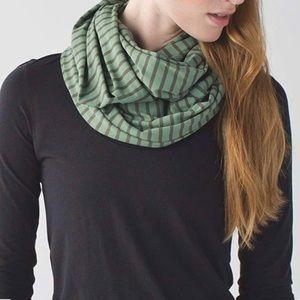 Lululemon Vinyasa Scarf, Olive green with stripes
